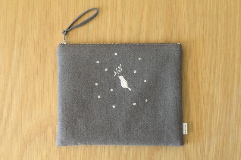 画像2: ひらつつみ(大)刺繍「雪鳥/ゆきどり」くもり色