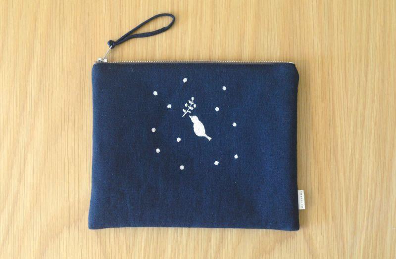 画像2: ひらつつみ(大)刺繍「雪鳥/ゆきどり」紺色