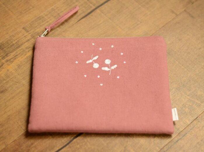 画像1: 刺繍ひらつつみ(大)「木いちご」サンゴ (1)
